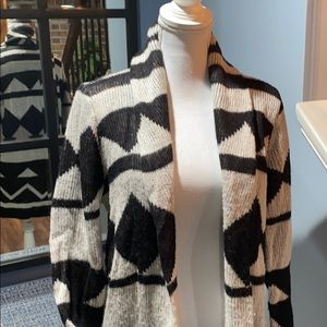 Black/Cream Patterned Sweater/Coat